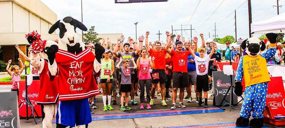 If you look close you can see me in the middle, ready to start the 2017 Chick-Fil-A 5k race